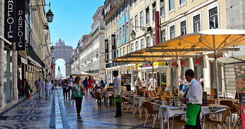 Alfresco Dining Lisbon